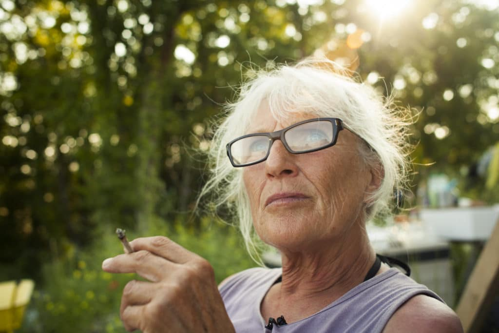 Elizabeth, 65 ans, architecte anarchiste et généreuse