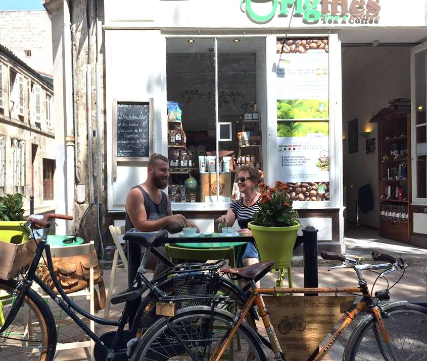 La terrasse d'Origines Tea &Coffee, 11 rue Sicard.