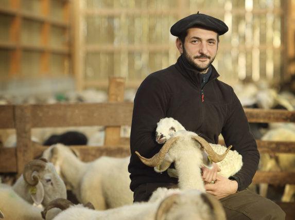 Julien Sarres, berger/fromager de la Vacherie