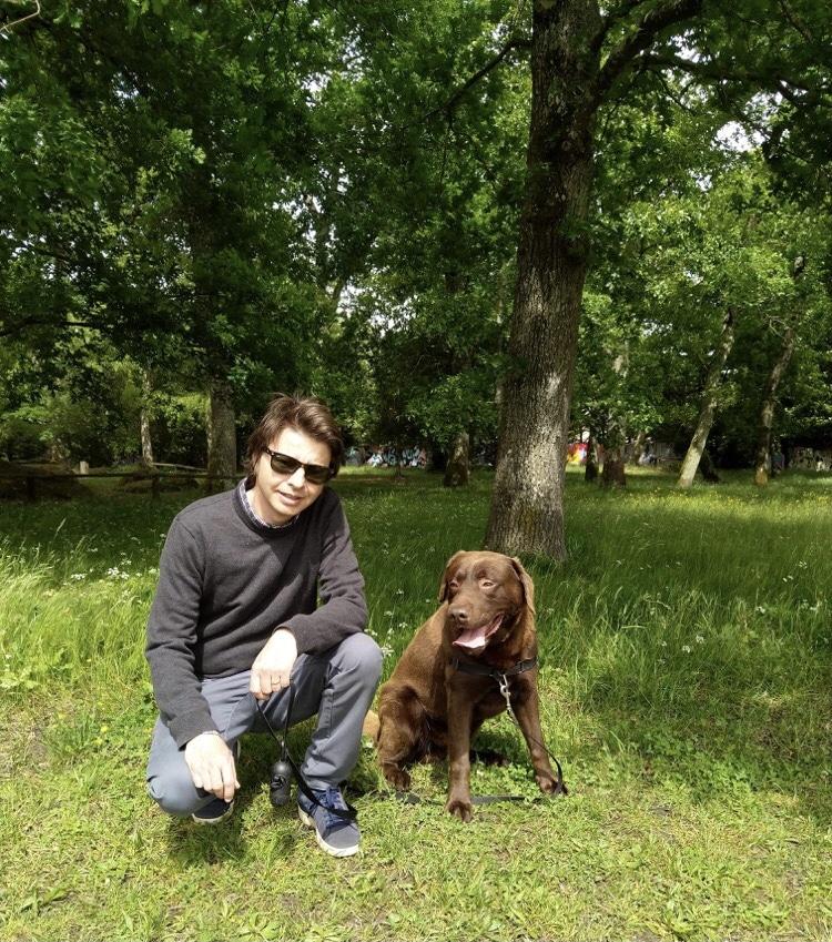 Laurent Queyssi et son chien Max