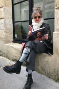 Lire la revue Far Ouest dans la rue