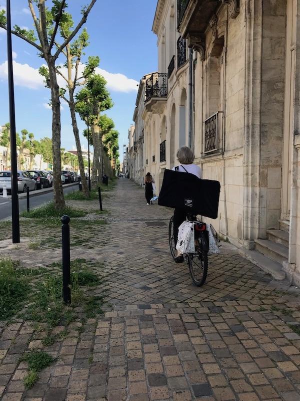 Livraison de chabécédaire à vélo à domicile
